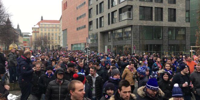 Fan marschieren durch Leipzig vor dem Testspiel zwischen RB Leipzig und Glasgow Rangers