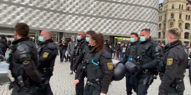 Leipziger Demo 04/11/2021 Antifa ändern und Pressefreiheit bedrohen